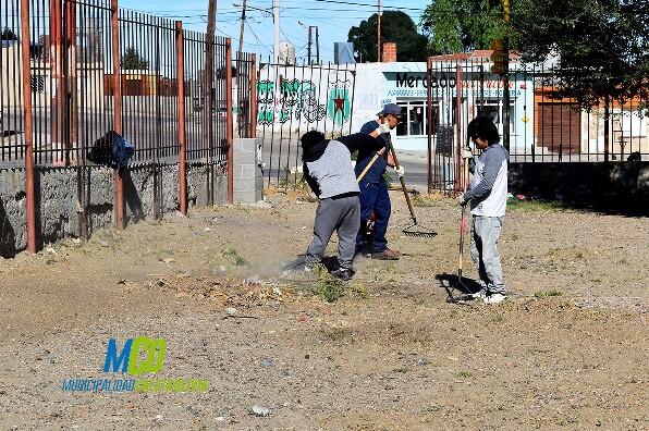 Finaliza limpieza en la Escuela 36