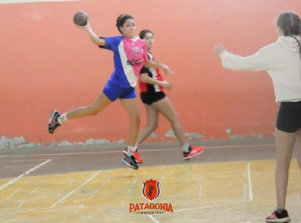 Municipal A y Universitario fueron campeones en Handball