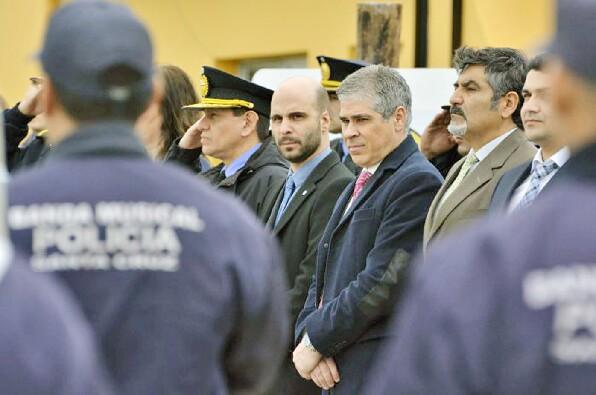 Los policías esperan llamado del Gobierno para un aumento salarial