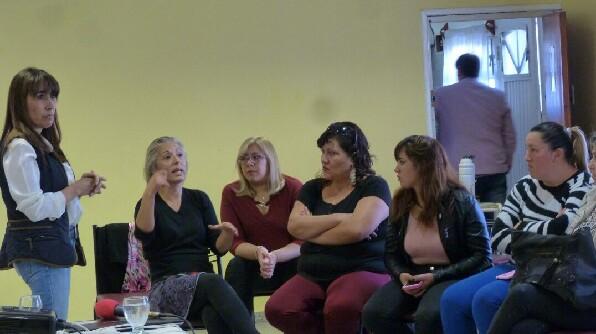 Realizaron charla debate sobre la despenalización del aborto