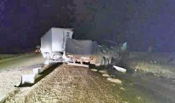 Un muerto en violento accidente frontal de camiones en 3 Cerros