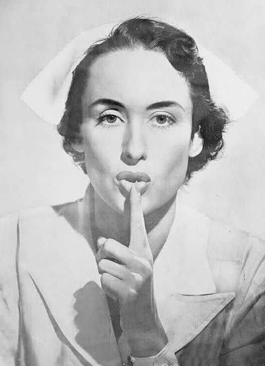 La modelo argentina Muriel Mercedes Wabney, su imagen fue elegida para la foto 'Silencio Hospital' la idea de que la foto apareciera en hospitales y maternidades del país (y que luego se extendiera por todo el mundo) es de otro argentino, Juan Craichik.